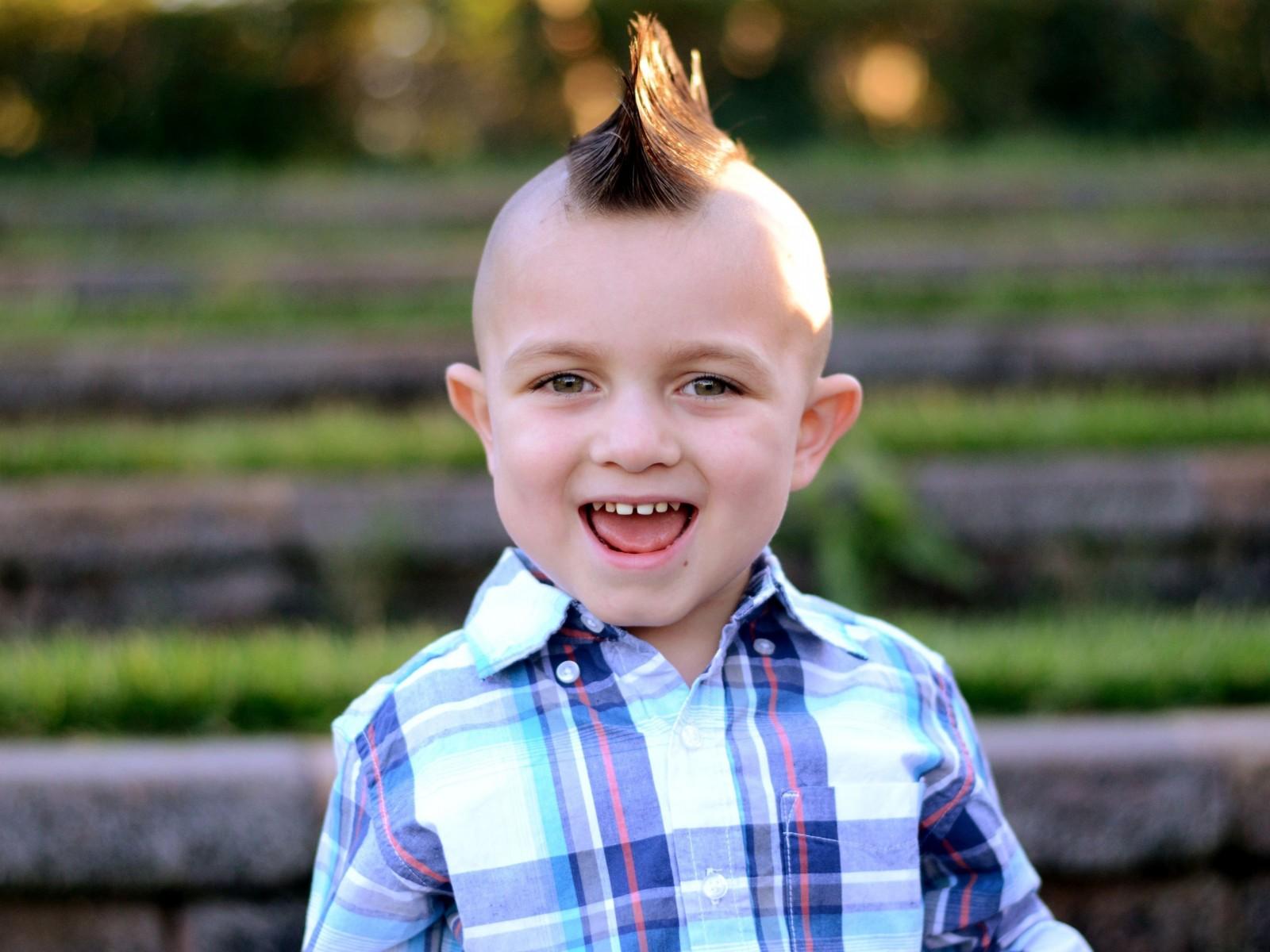 Детские прически для мальчиков: элегантность юных мужчин